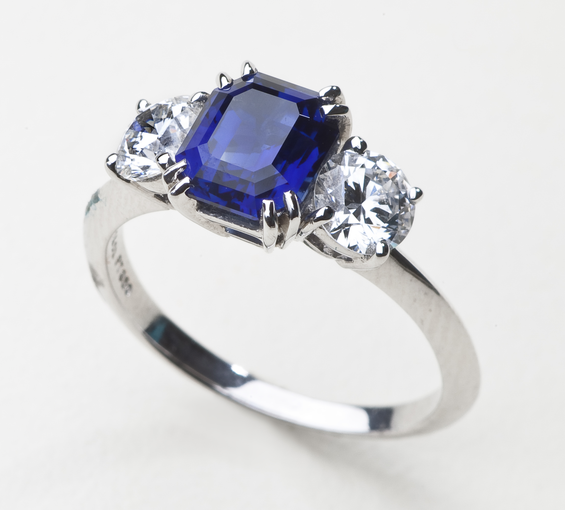 diamond brands found ring sapphire appraisal auction schlumberger tiffany and en valuation co results